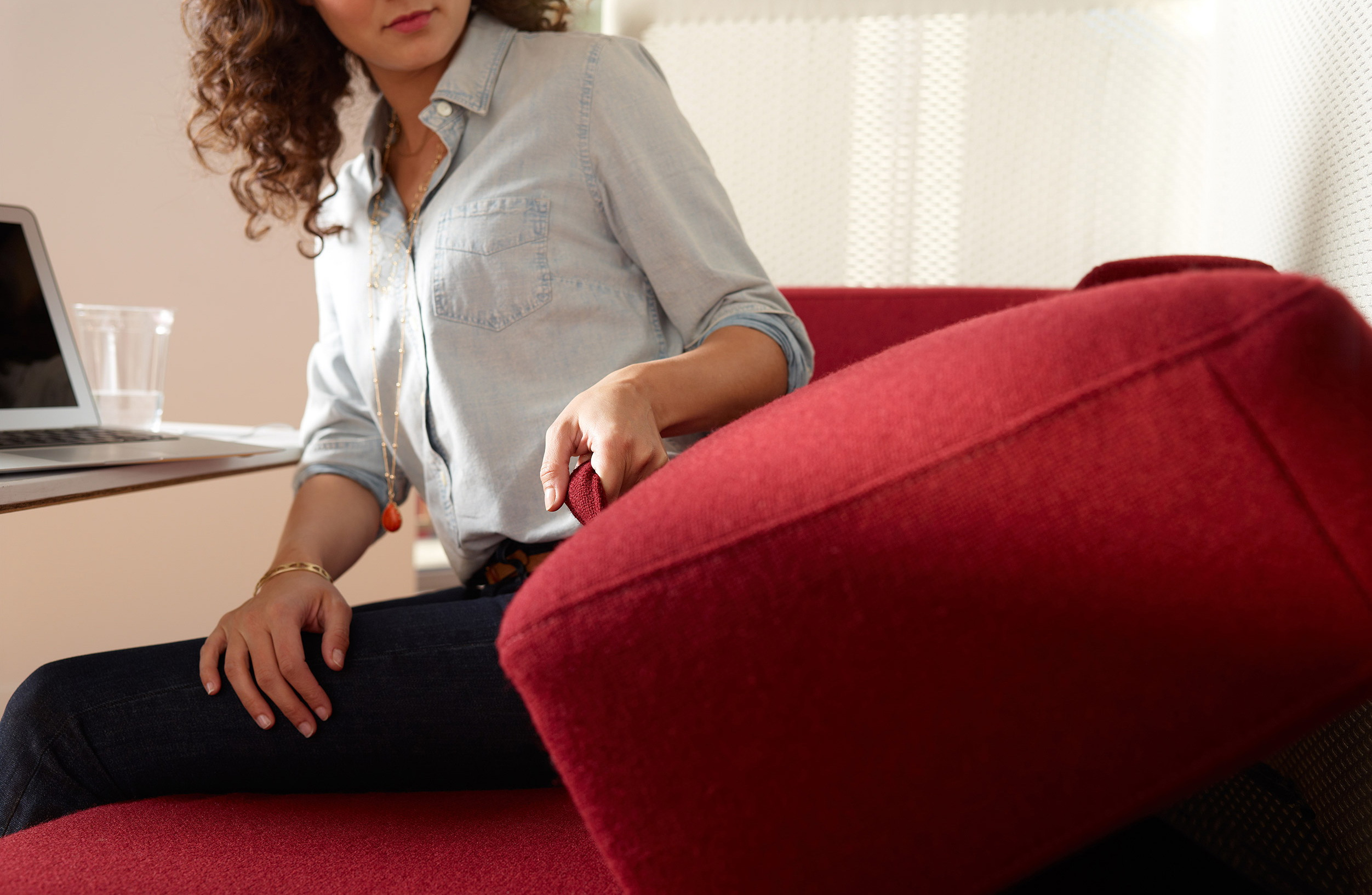coalesse-lagunitas-armchairs-06