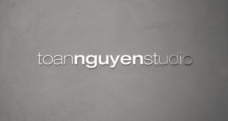 http://toan-nguyen.com/wp-content/uploads/2015/12/toan_nguyen_studio_00_-1500x800.jpg